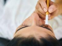 Kadınlara 'Göz Çevresine Yönelik Makyajlara Ara Verin' Uyarısı