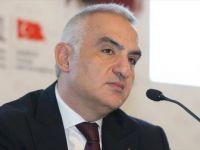 Bakan Ersoy: 'Öngörümüz Turizm Sezonu Mayıs Sonuna Ertelenecek'