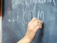 Kovid-19 Salgını Nedeniyle Öğretmenler Ek Ders Ücretinden Yararlandırılacak