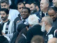 Beşiktaşlı Eski Futbolcu Amokachi'den alkışlanacak bir yardım! Gıda dağıttı
