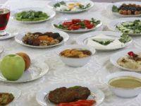 Uzmanından İftar ve Sahurda Beslenme Önerileri