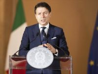 İtalya Başbakanı Conte: 'Aşı Bulununcaya Dek Bekleyemeyiz'