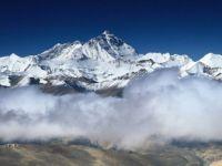 Everest Dağı'nın Yüksekliğini Ölçecek Çin Keşif Ekibi Zirveye Ulaştı