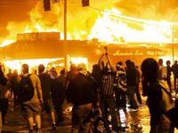 Minneapolis'te Başlayan Protestolar Ülke Genelinde Kaosa Dönüştü