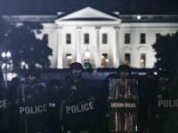 Beyaz Saray Önündeki Protestolar Sırasında Trump'ın Sığınağa Götürüldüğü İddiası