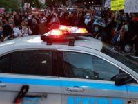 ABD'deki Protesto Gösterilerinin Kovid-19 Vakalarını Artırmasından Endişe Ediliyor