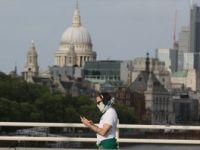 İngiltere'nin Salgınla Mücadelesi 'Sürü Bağışıklığıyla' Başladı, Ölümlerde Zirveye Tırmandı