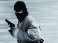 Paris'te Dünyaca Ünlü Aksesuar Markası Mağazasına Silahlı Soygun