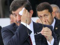 Tayyip konuştu, Davutoğlu ter döktü!