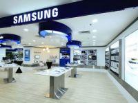 Samsung Electronics, Üç Arka Kameralı Telefonu Galaxy A7'yi Tanıttı