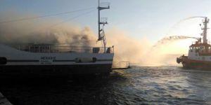 Gelibolu-Lapseki arasında sefer yapan feribotta yangın dehşeti!