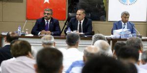 Adana'da Kenan Evren Bulvarı Devlet Bahçeli Bulvarı oldu