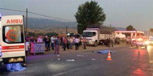 Manisa'da işçi taşıyan iki araç çarpıştı! 1 ölü, 26 yaralı
