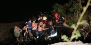 Kocaeli'de kontrolden çıkan otomobil baraj gölüne uçtu: 2 yaralı!