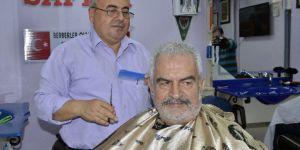 Ünlü Oyuncu Erol Tezeren Saçlarını Kestirerek İmaj Tazeledi
