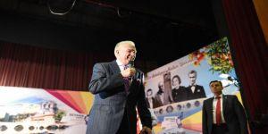 Adana'da Uğur Dündar'a Yoğun İlgi