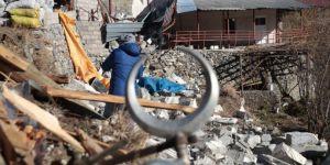 Alanya'da Şiddetli Rüzgar ve Fırtına Cami Minaresini Yıktı