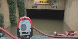 Eyüp'te Lüks Villaları Su Bastı, Site Sakinleri Belediyeye İsyan Etti