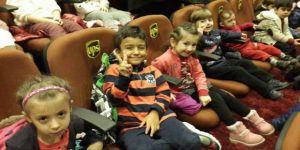 İstanbul'da Çöken Bina 5 Yaşındaki İkizleri Ayırdı!