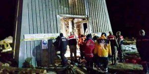Kayseri'de 100 Metrelik Kuyuya Düşen İşçileri UMKE Kurtardı
