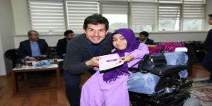 Milli Futbolcu Belözoğlu, Engelli Sporcularla Buluştu