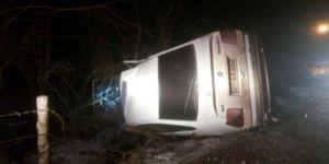 Kastamonu'da Yoldan Çıkan Otomobil Takla Attı