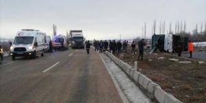 Sivas Akınciler ilçesinde Yolcu Otobüsü Devrildi: 1 Ölü 36 Yaralı