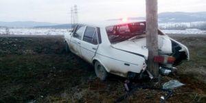 Kastamonu'da Polisin ''Dur'' İhtarına Uymayan Sürücü, Direğe Çarptı