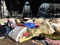 Paris'te Sığınmacılara iğrenç hareket