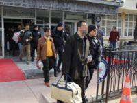 Samsun Merkezli Operasyonda ByLock'tan Gözaltına Alınan 18 Öğretmen Adliyeye Sevk Edildi