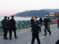 Bursa İl Emniyet Müdürlüğü Karşısında Trafiğini Kilitleyen Bomba Paniği