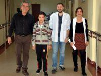 Guillian Barre Sendromuna Yakalanan 13 Yaşındaki Furkan Tek Başına Yürümeye Başladı