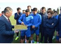 Vali Yazıcı Balıkesirspor'u Ziyaret Etti