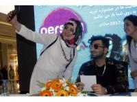 """İranlı Popstar Tohi: """"Türkiye'de Huzurlu Ve Mutluyum"""""""