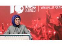 Emine Erdoğan: 15 Temmuz Dünyada Benzerine Az Rastlanacak Bir Halk Devrimiydi