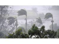 Avustralya'da Kasırga 35 Bin Evi Elektriksiz Bıraktı