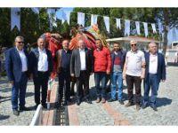 Yörüklerden Kıbrıs'da Deve Çıkarması