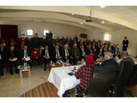 Vali Zorluoğlu Keban'da Muhtarlarla Buluştu