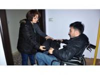 Fedakar Anne Engelli Oğlu İçin Direksiyon Sallıyor