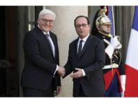 Hollande, Almanya'nın Yeni Cumhurbaşkanı Steinmeier'i Kabul Etti