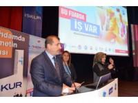 Türkiye'de Her Yıl İş Piyasasına 900 Bin Yeni Genç Giriyor