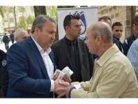 Başkan Çerçi'den Vatandaşa Şerbet Ve Simit İkramı