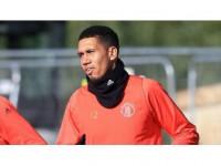 Manchester United'da Smalling Ve Jones Uzun Süre Yok