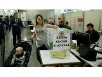 Yurt Dışında 609 Bin Seçmen Oy Kullandı