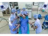 Hasta Duygularını Analiz Etmek İsteyen Doktor, Ameliyat Masasına Yattı