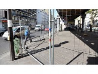 Paris'te Sığınmacılara 'Tel Çit Engeli'