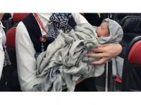 Thy'den Uçakta Doğan 'Kadiju' Bebeğe Jest