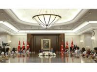 Başbakan Yıldırım Koltuğunu 5. Sınıf Öğrencisi Keçe'ye Bıraktı