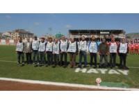 Hatay'da Gazetecilerden Başakşehirli Futbolculara Protesto