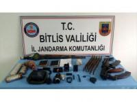 Bitlis'teki Terör Operasyonunda 3 El Yapımı Patlayıcı İmha Edildi